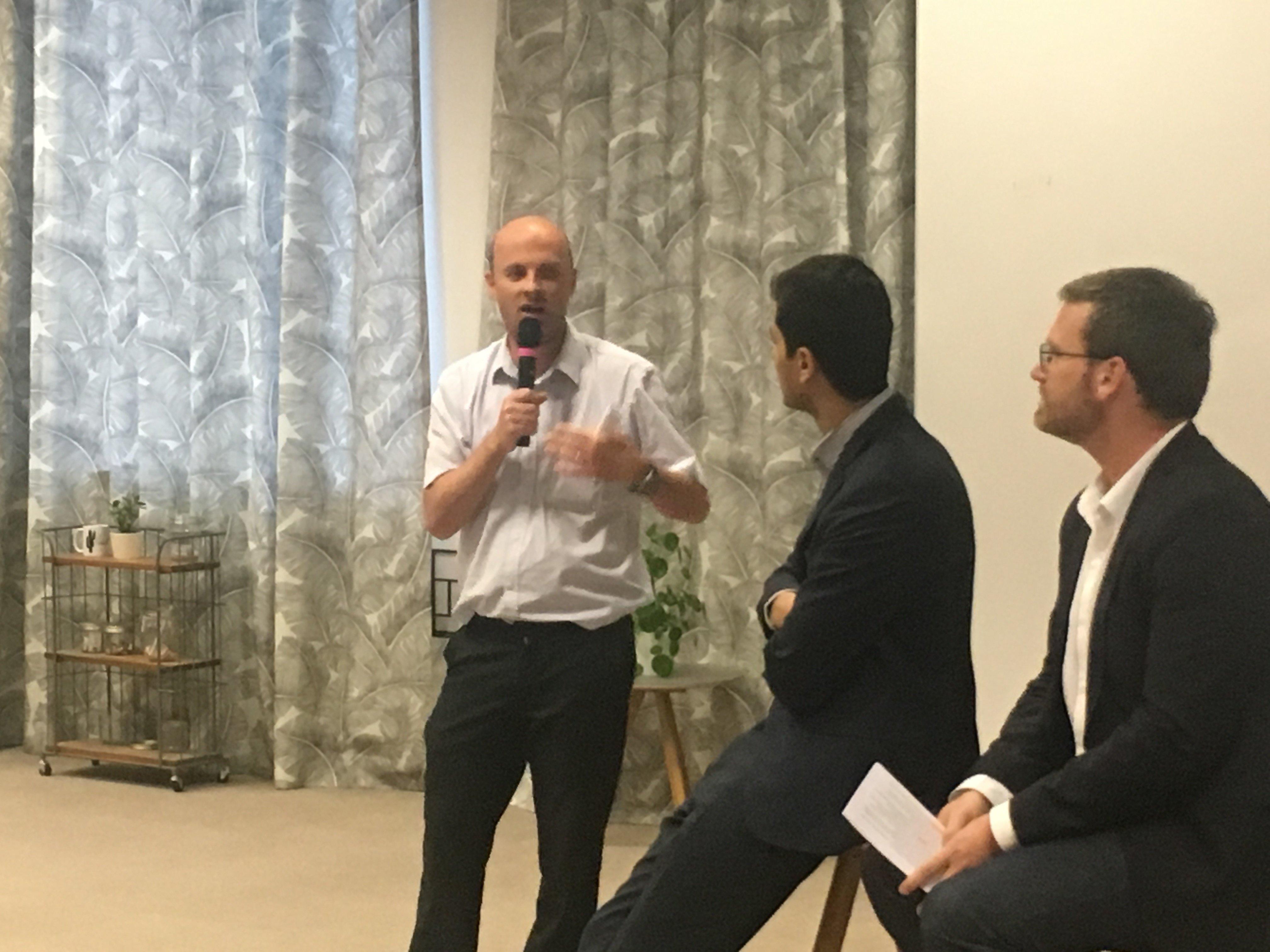 De gauche à droite : François-Xavier THOORENS, Président et CTO d'ARK Ecosystem, Zahreddine TOUAG, Porte-parole de l'AFGCybermonnaie, Franck GUIADER, Head of Innovation & FinTech, Gide Law Firm (ex-AMF).