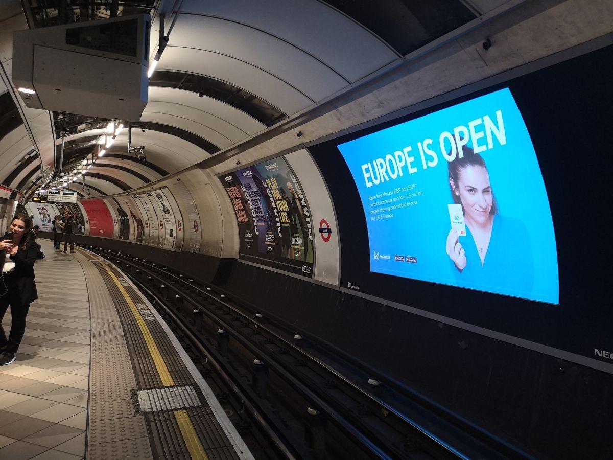 Brexit : la néobanque britannique Monese se veut optimiste avec son slogan « Europe is Open ! »