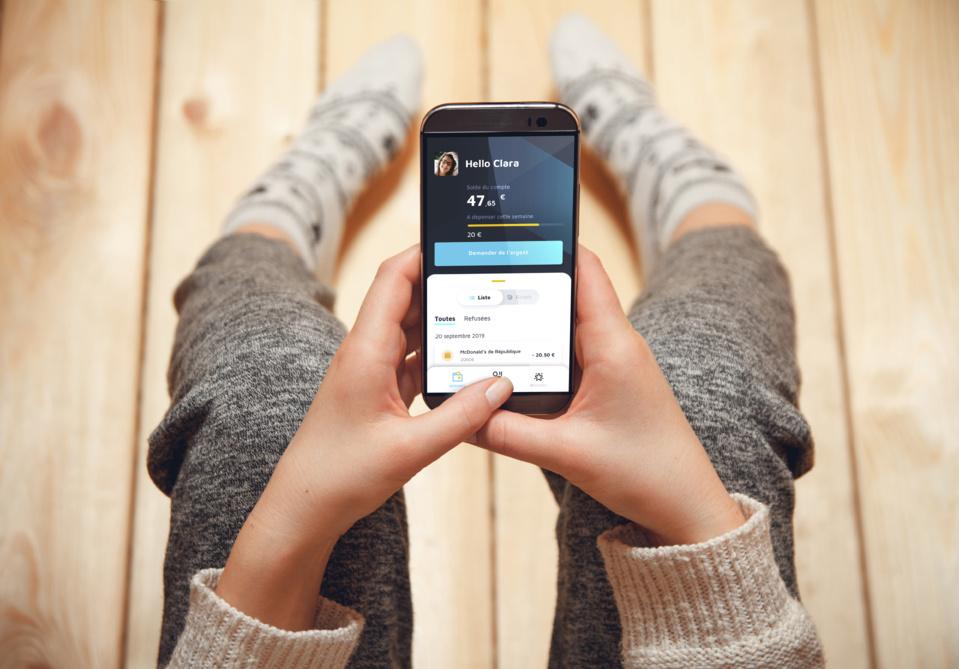 Pixpay lance sa carte de paiement dédiée aux ados : la néobanque des familles est née !