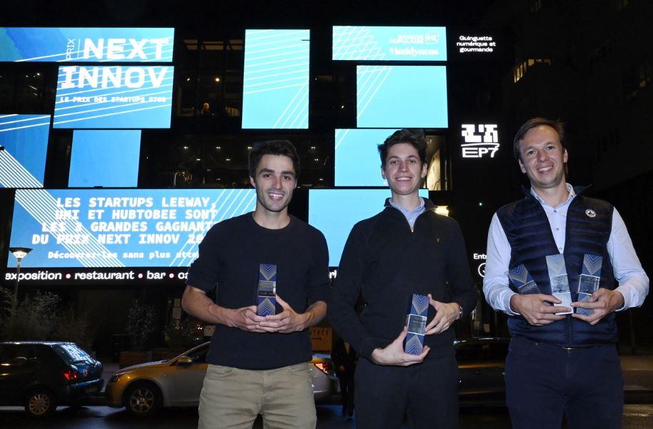 De gauche à droite : Hubtobee avec Louis de Véron, Leeway avec Antoine Fabre et Julien Oger UMI, sont les 3 start-up lauréates. Crédit photo : Nicolas Tavernier.
