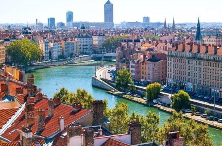 Memo Bank s'implante à Lyon en misant sur la proximité bancaire