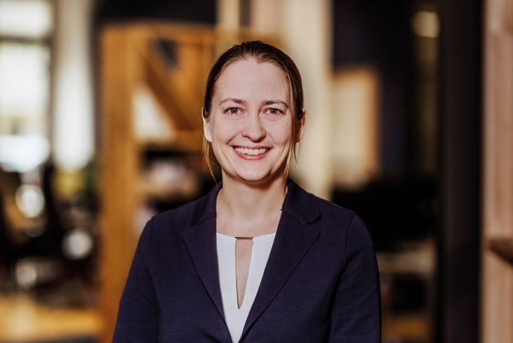Katharina Lueth, vice-présidente pour l'Europe de Raisin et président du conseil d'administration de Raisin UK